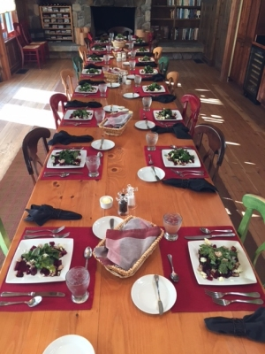 Table-settin-at-the-lodge[2]